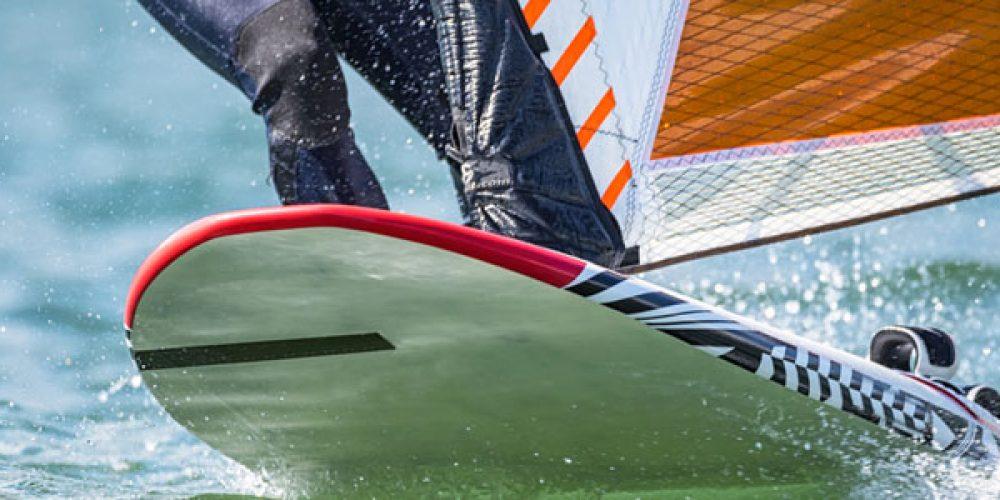 Windsurf : 5 conseils pour réussir vos débuts